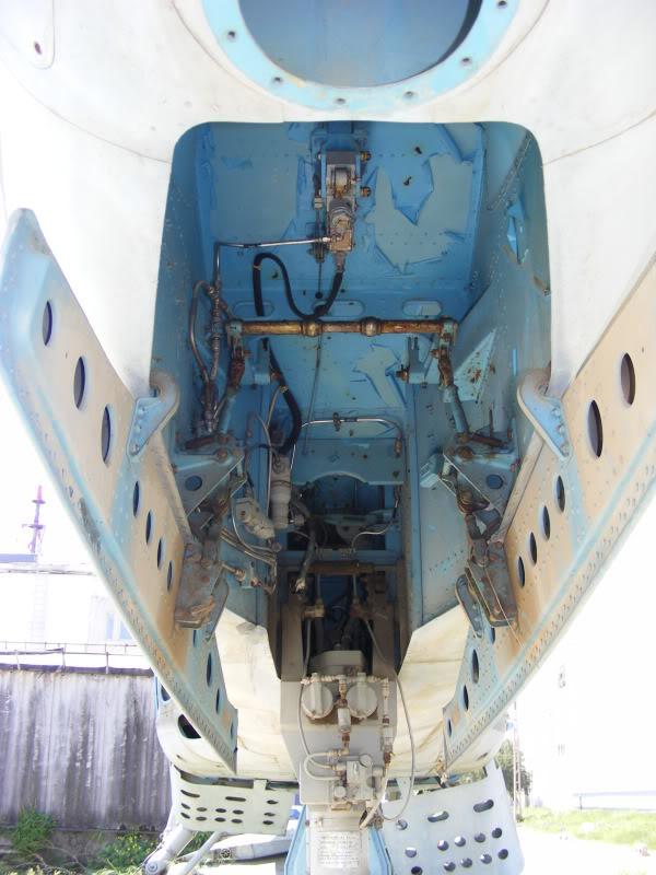 Aeronave expuse in tara - Pagina 2 DSCF0004