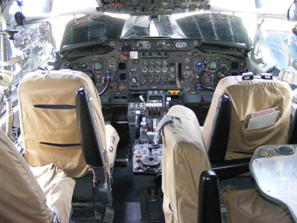 Air Force Unu (ROMAVIA/Boeing707-3K1C/YR-ABB) - Pagina 4 DSCF0087-2