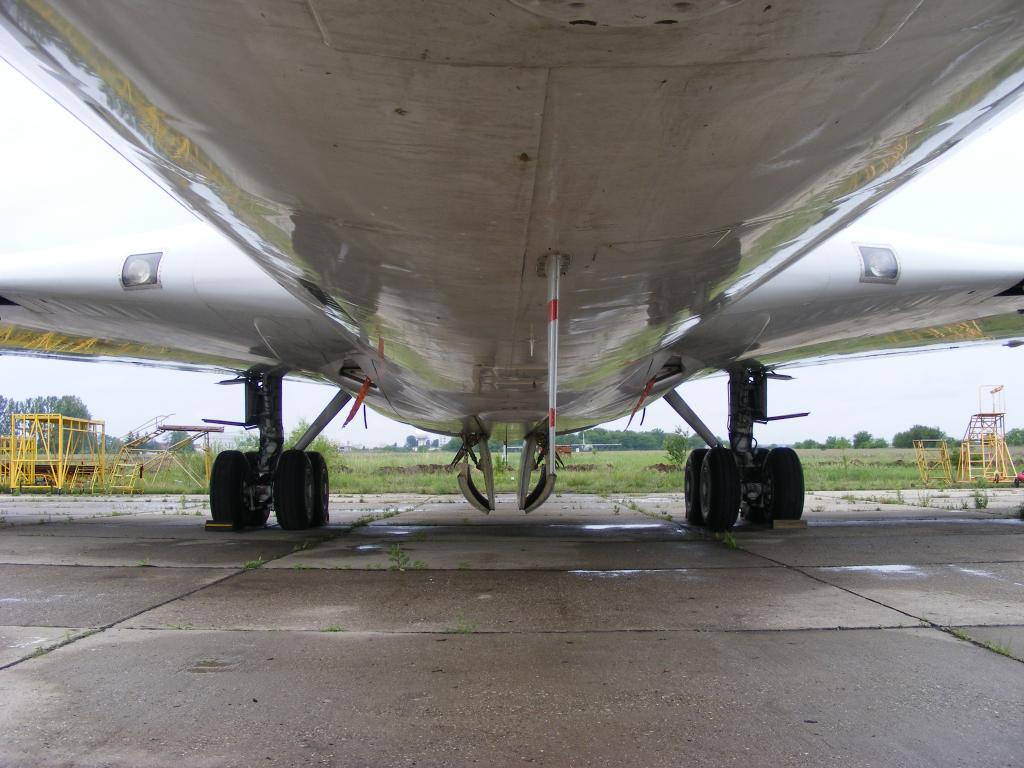 Air Force Unu (ROMAVIA/Boeing707-3K1C/YR-ABB) - Pagina 4 DSCF0111