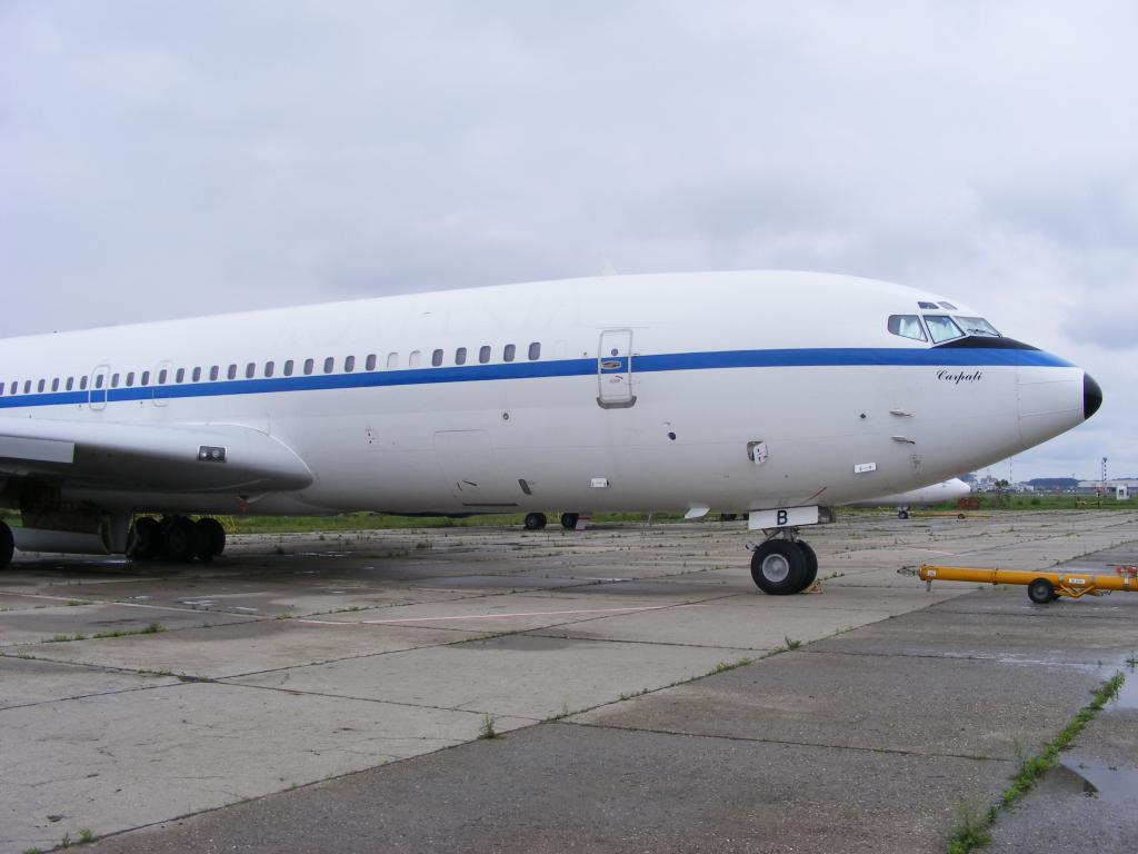 Air Force Unu (ROMAVIA/Boeing707-3K1C/YR-ABB) - Pagina 4 DSCF0113-1