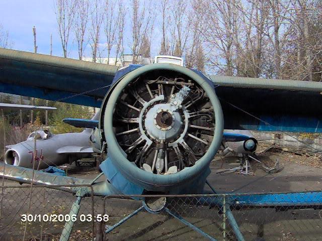 "Avioanele din Colegiul Tehnic de Aeronautica ""Henri Coanda"" - Pagina 2 IM000485"