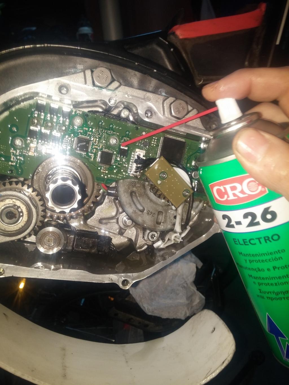 Despiece y mantenimiento motor Bosch Performance 2015 tutorial Aplicando%20Crc%202-26_zpspwurmoto