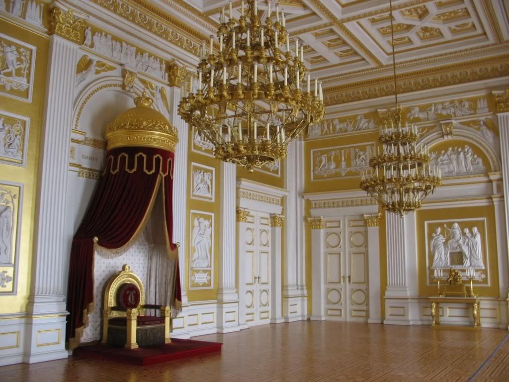 Exposition « Trônes en majesté, l'autorité et son symbole » - Page 3 1312