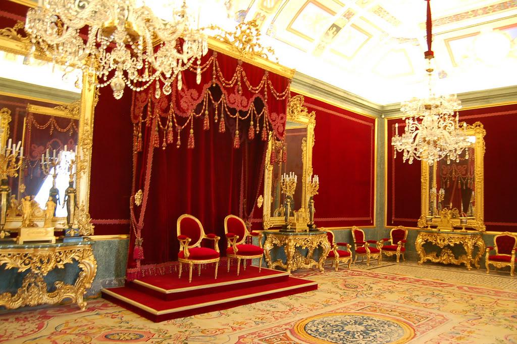 Exposition « Trônes en majesté, l'autorité et son symbole » - Page 3 7-SalndelTrono2