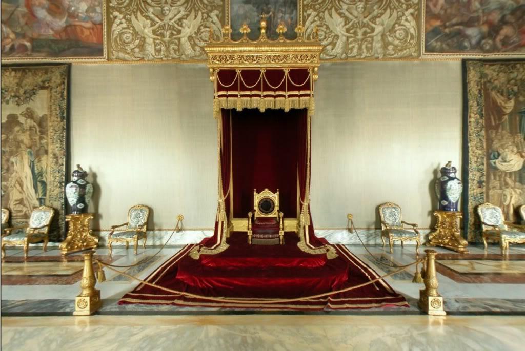 Exposition « Trônes en majesté, l'autorité et son symbole » - Page 4 Augusto3