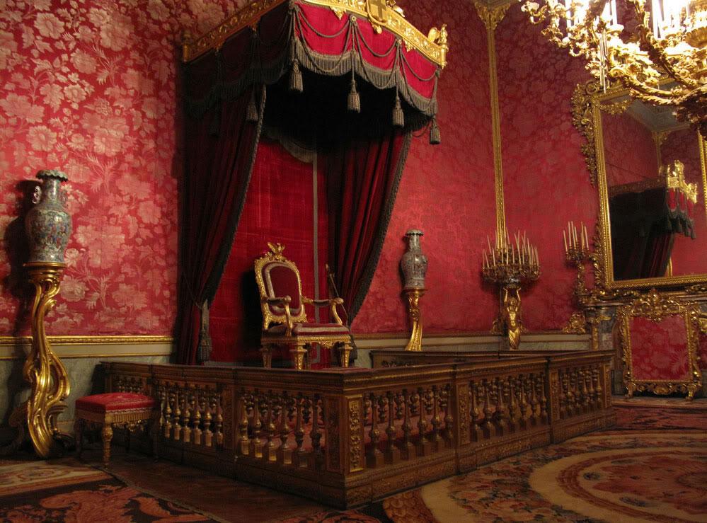 Exposition « Trônes en majesté, l'autorité et son symbole » - Page 3 Tronobig