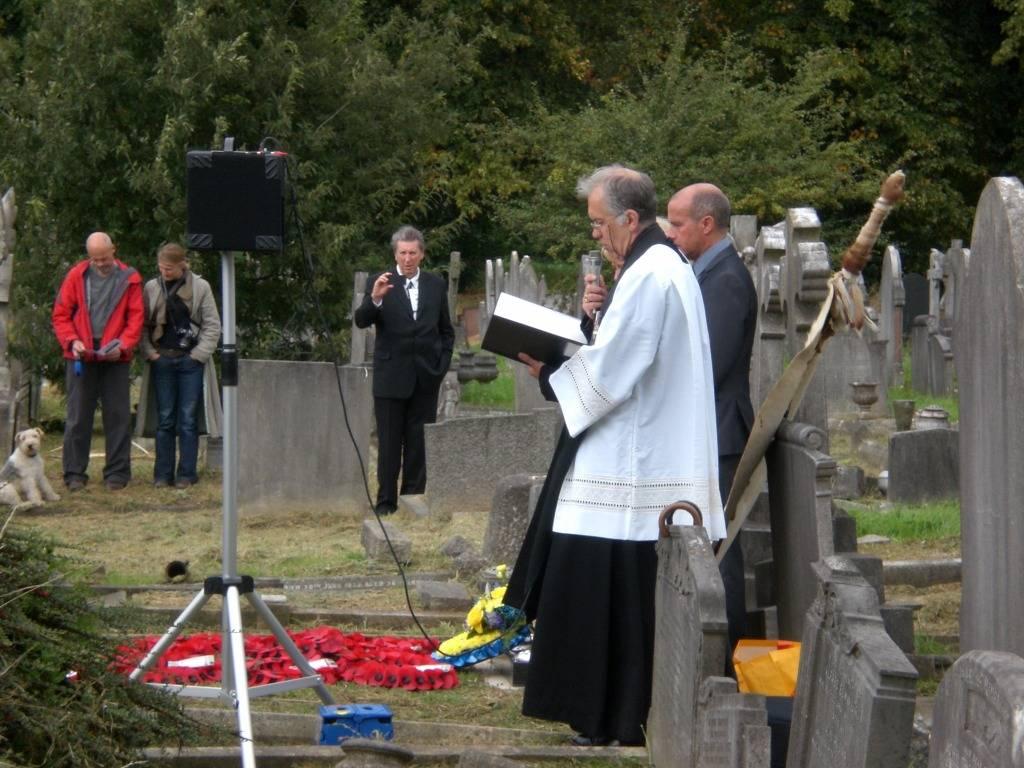 Re-dedication to Arthur Howard (Gunner Royal Artillery) 16th Sep 2012 59bf4fe6