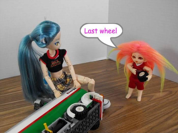 Kumi's Tails - Saturday Afternoon Legobuild01-011