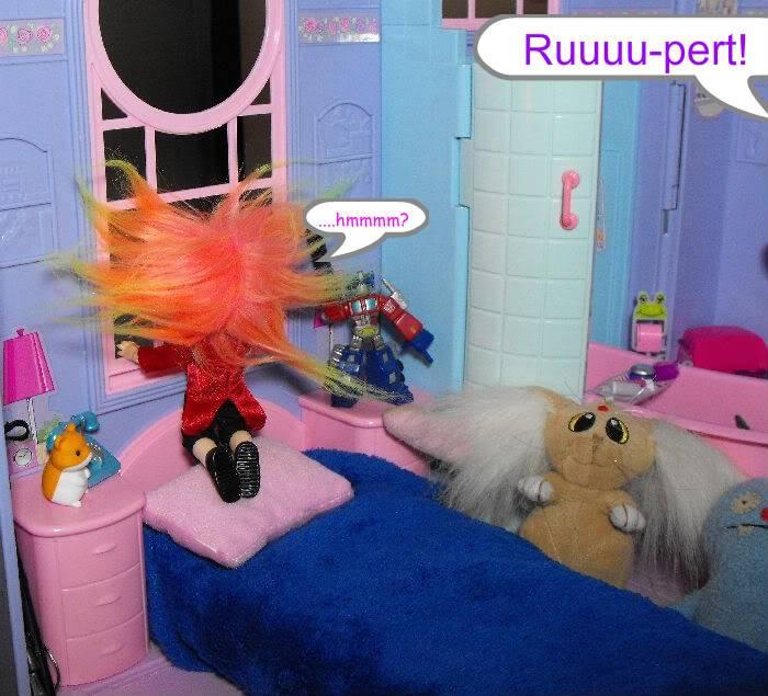 When a Puki Knocks -Part 2 Pukivisit02-001