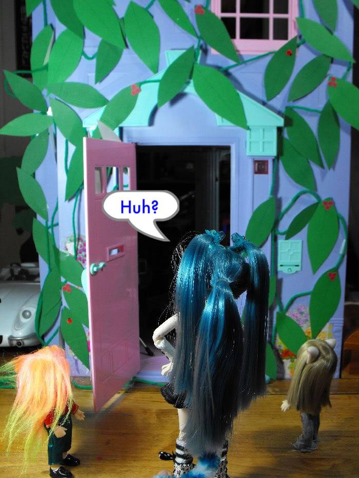 When a Puki Knocks -Part 7 (Giant Sized Holiday edition) Pukivisit07-016