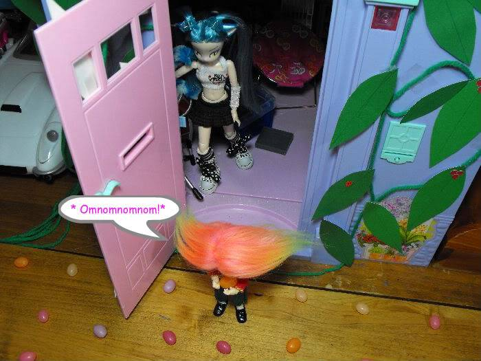 When a Puki Knocks -Part 7 (Giant Sized Holiday edition) Pukivisit07-032
