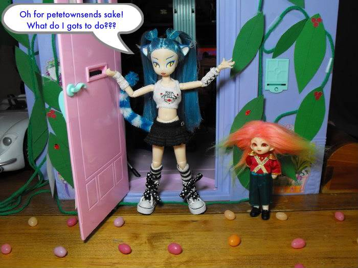 When a Puki Knocks -Part 7 (Giant Sized Holiday edition) Pukivisit07-034