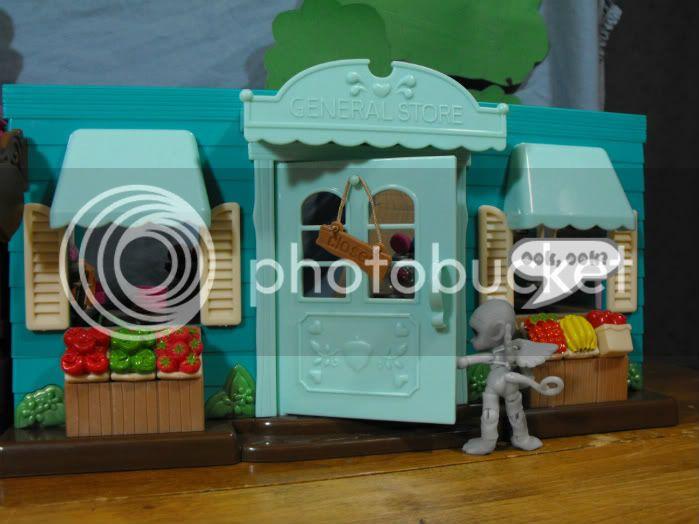 TINIES! Season 2, Episode 2 Tinies02-02-004