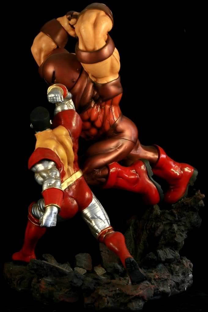 [Custom da semana]COLOSSUS vs JUGGERNAUT 1/6th scale JUNP9794
