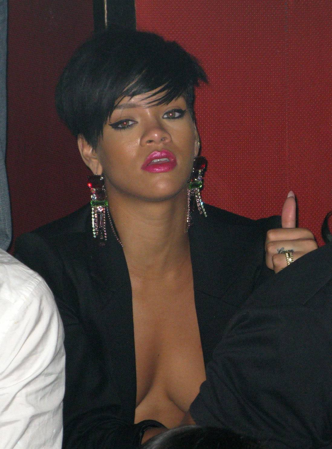 Rihanna showing her Tits Bd847ab6