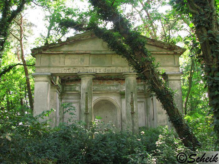 Goruńsko (gmina Bledzew) - grobowiec rodzinny C224