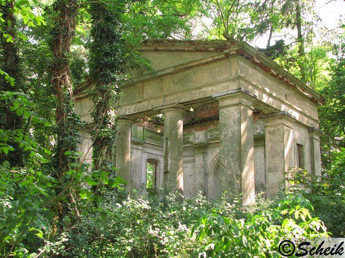 Goruńsko (gmina Bledzew) - grobowiec rodzinny C229