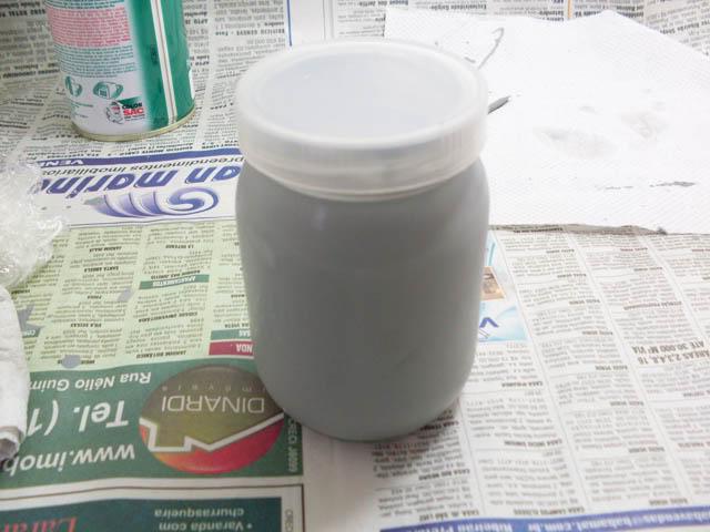 Tutorial: Transferindo tinta da lata para pote de vidro Transfere_tinta_15