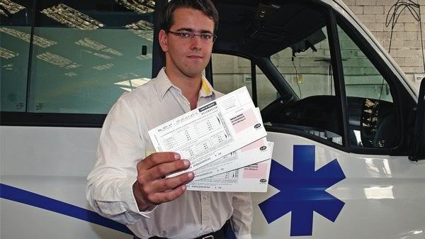 L'ambulancier verbalisé peut ruer dans les brancards Ambulancierverbalis