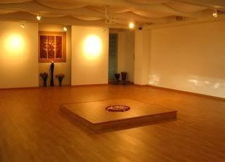 Salon de Entrenamiento Salon-yoga-1