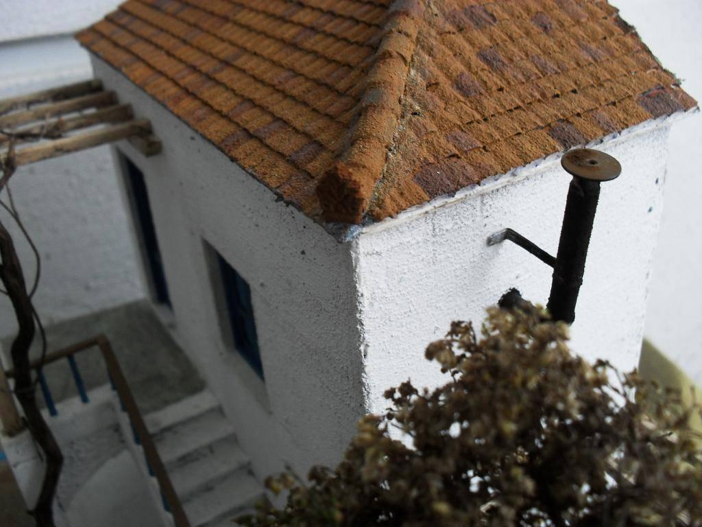 Διόραμα νησιώτικο σπίτι με θέμα  '' Για Ένα Ποτήρι Γάλα '' SDC11869_zps4155c2e2