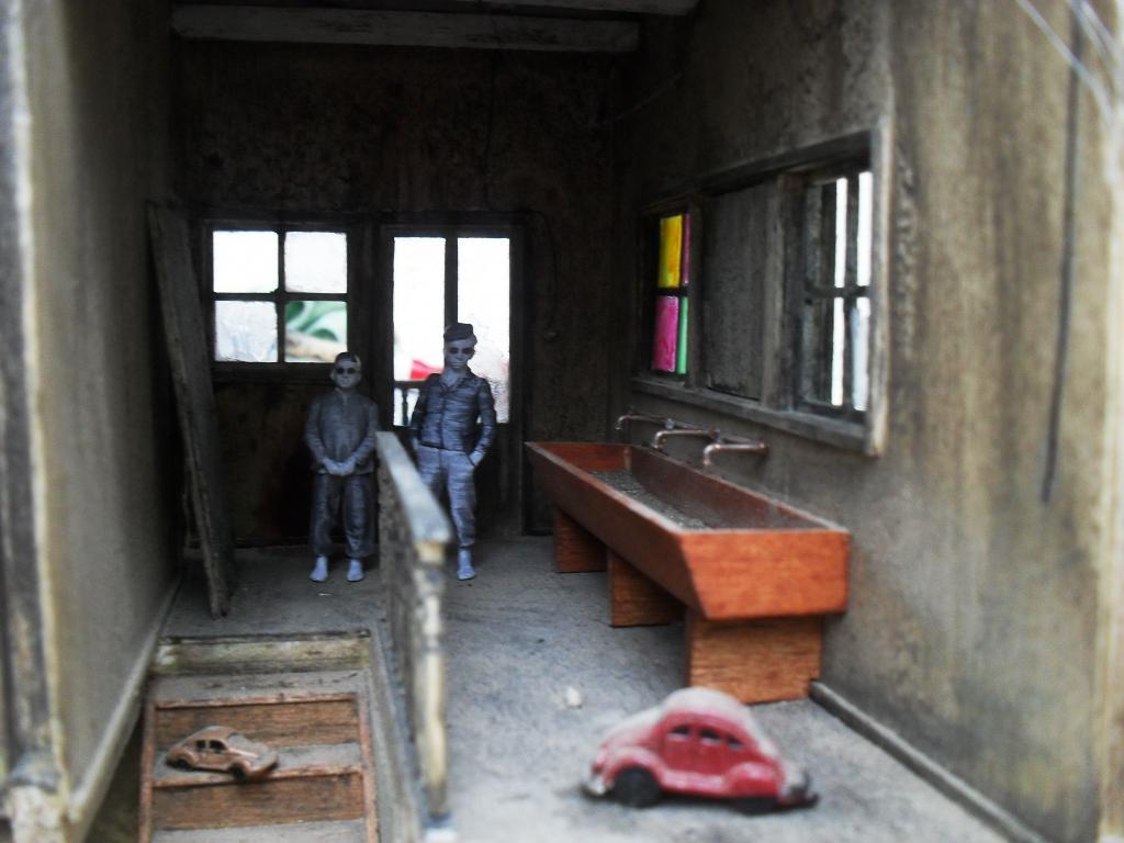 Happy Family Orphanage SDC13731_zps97fb121a