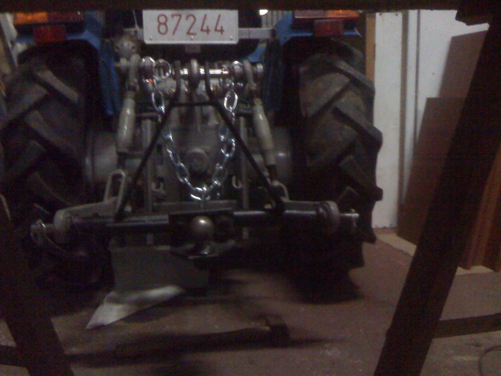 ¡¡¡OJO!!! Cómo conectar un remolque de coche a un tractor 3 puntos IMG_0366_zpsd4828e1c