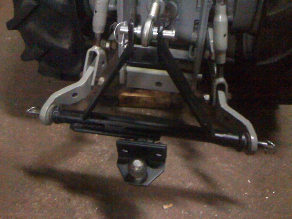 ¡¡¡OJO!!! Cómo conectar un remolque de coche a un tractor 3 puntos IMG_0321_zpsa5f3585c