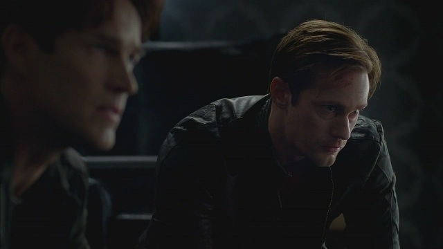 Bill Compton/Stephen Moyer - Page 2 5x01_0020