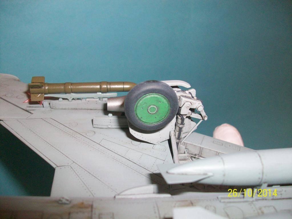 Su-7 Fitter 1/48 - Σελίδα 2 100_0835_zps4ff6c1b9