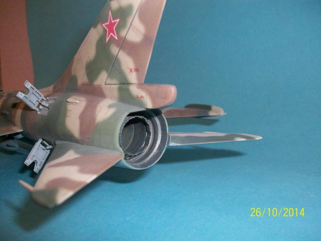 Su-7 Fitter 1/48 - Σελίδα 2 100_0836_zpsf4ece8f4