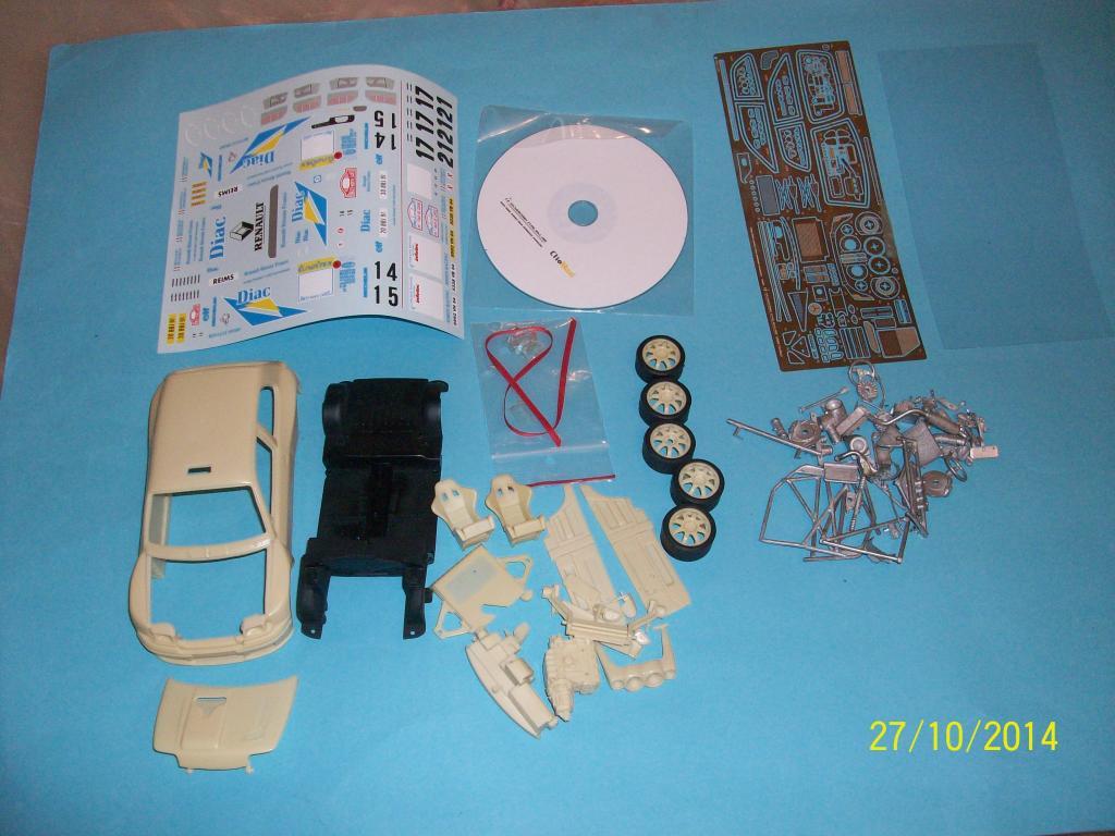 Renault Clio Maxi  (Scuderia Italia Lab 1/24) 100_0871_zps34d7fa88