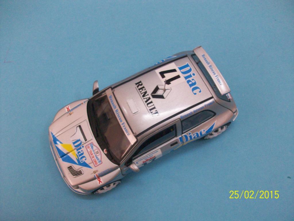 Renault Clio Maxi  (Scuderia Italia Lab 1/24) 100_1308_zpsfjzogbnc