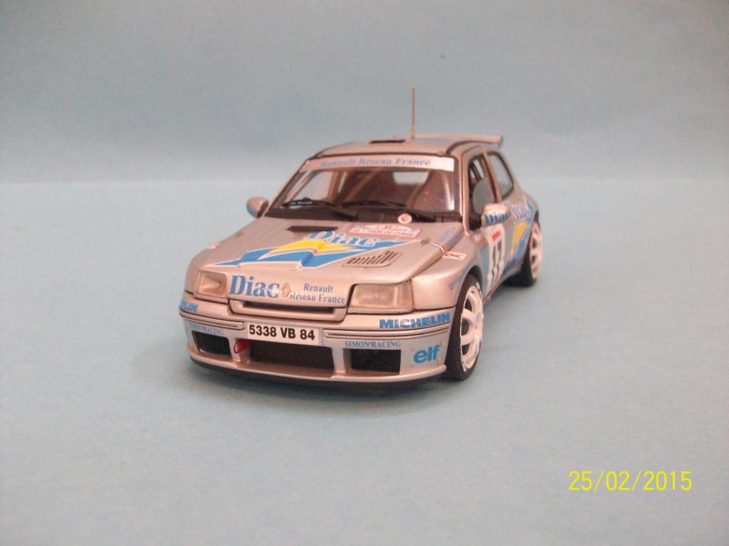 Renault Clio Maxi  (Scuderia Italia Lab 1/24) 100_1315_zpsd3w2foly