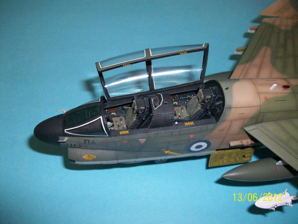 TA-7C CORSAIR II  HAF   1/48 100_5882