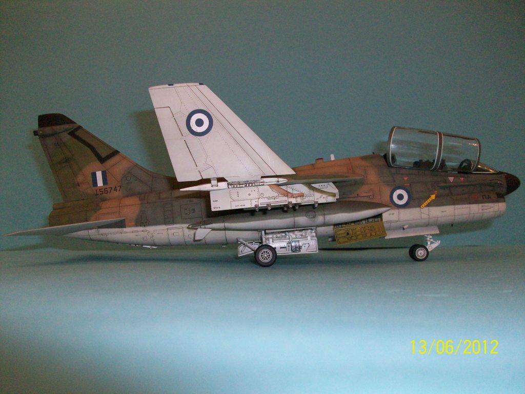 TA-7C CORSAIR II  HAF   1/48 100_5897