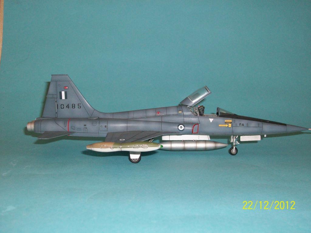 F-5A Aegean Blue 1/48 100_7250_zps44501f20