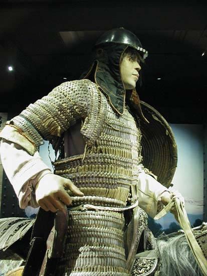 así se lo montaban los mongoles Mongol-armour2