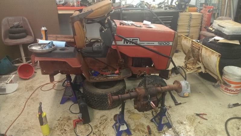 1970's Massey Ferguson MF1200 Garden Tractor IMAG0067_zpsaea6bb20