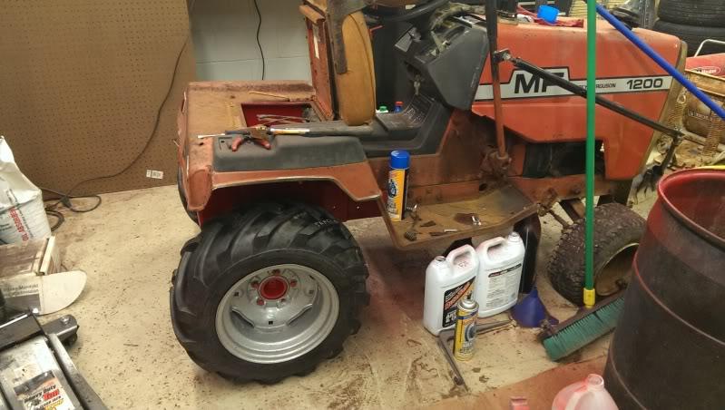 1970's Massey Ferguson MF1200 Garden Tractor IMAG0130_zpsdbbed070