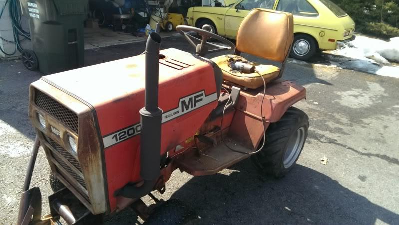 1970's Massey Ferguson MF1200 Garden Tractor IMAG0145_zpsdf1572d0