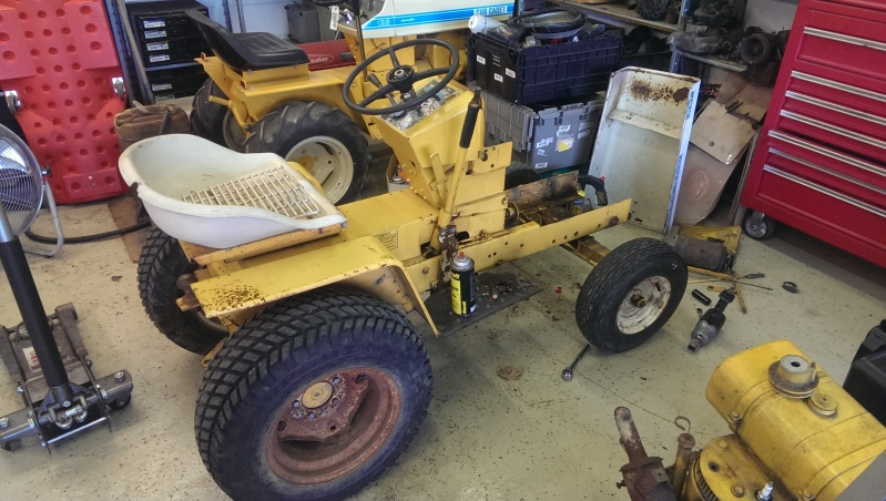 Project time! 1966 Cub Cadet 123 Hydro - TURBO DIESEL IMAG0303_zps343be047