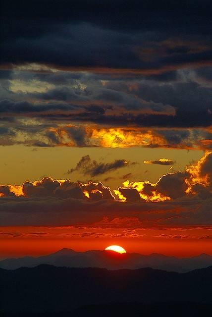 Le ciel et ses couleurs 179088522653296655_mj0dGOOW_c