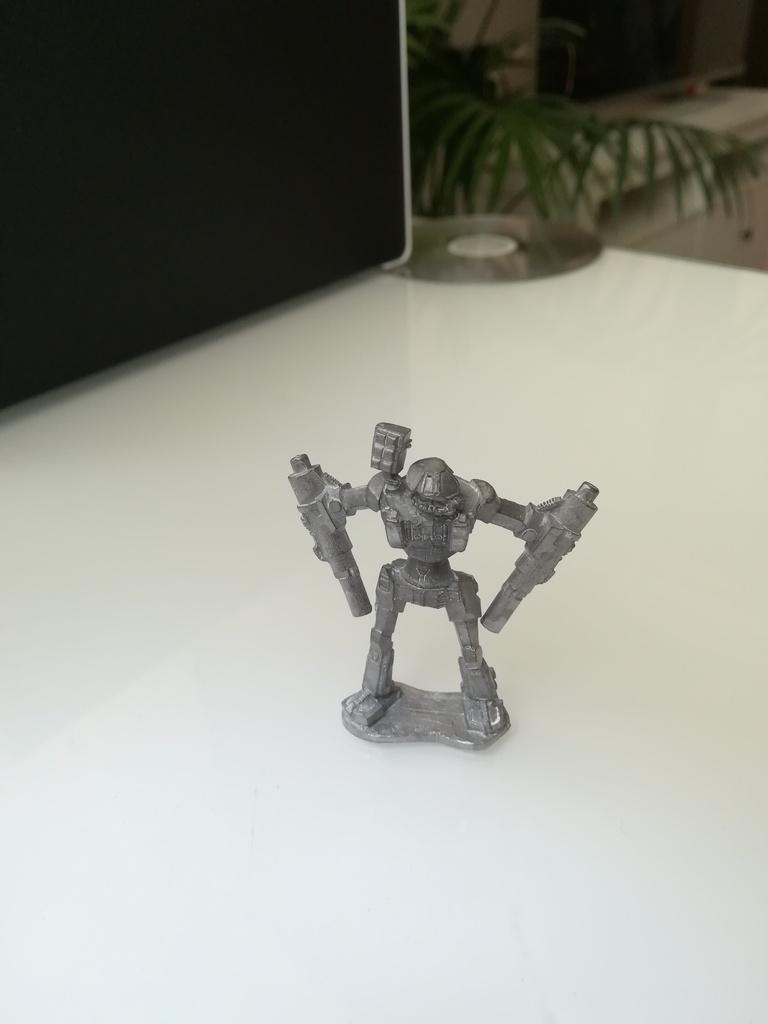 Vendo una pequeña joya, un Battleaxe de Battledroids.  IMG_20180601_112159
