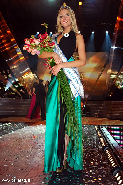 The OFFICIAL thread of Denisa Mendrejova (SLOVAK REPUBLIC UNIVERSE 2009)™ MISSUNIVERSESR2009PARTY_0002