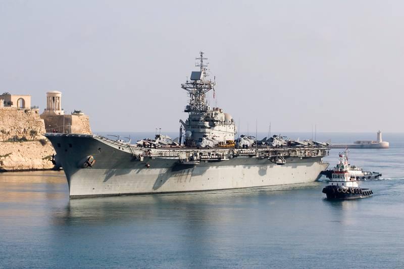 Defensa estudia dar de baja al portaaviones 'Príncipe de Asturias' para ahorrar 93645461_7qypm4RK_PrincipedeAsturiasR11