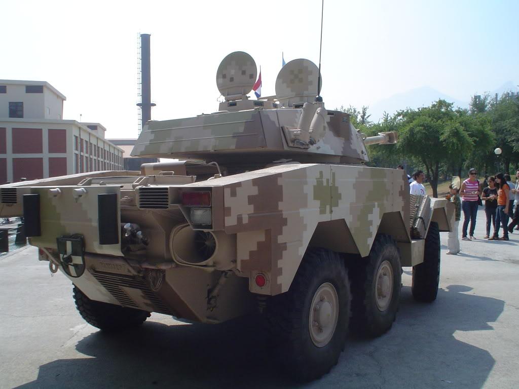 Vehiculo Panhard Lynx ERC-90 - Página 2 DSC03703