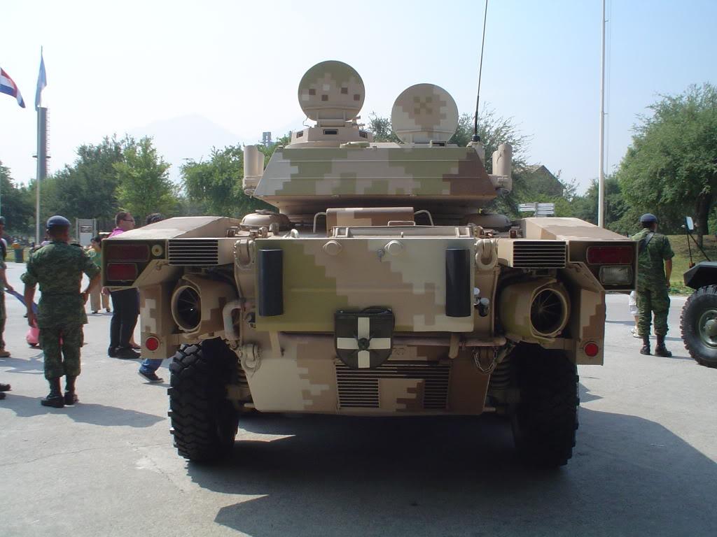Vehiculo Panhard Lynx ERC-90 - Página 2 DSC03704