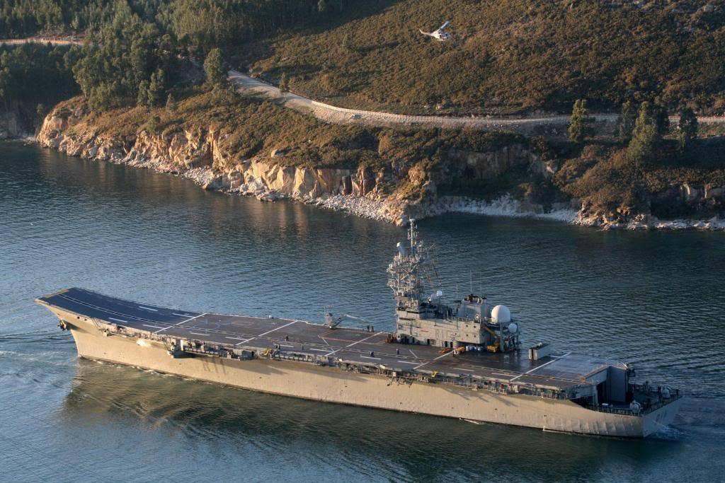 Defensa estudia dar de baja al portaaviones 'Príncipe de Asturias' para ahorrar SPS20Principe20de20Asturias20R1120departs20Ferrol206-1