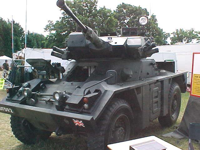 Ucrania ofrece vehiculos a Mexico Vickersfox1_zps71a4fa00